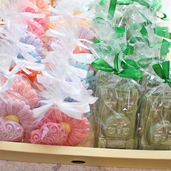 """Набор """"Люблю Лето"""". В набор входит два кусочка мыла, ромашка и сердце. Купить или заказать мыло ручной работы в Тюмени с доставкой ро РФ  Цена от 110 ₽"""