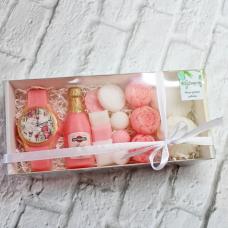 """Для неё Набор мыла """"Загадай желание""""Мыло ручной работы в Тюмени – купить или заказать на MixSoap.ru Универсальный букет подойдет на день рождения, юбилей или любую памятную дату.   Цена 750 ₽"""