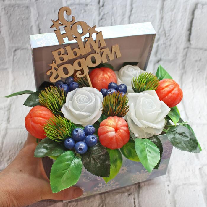 """Композиция в подарочной коробке """"Подарок"""". Мыло ручной работы – купить или заказать на MixSoap.ru   Мыло Тюмень  Цена от 900 ₽"""